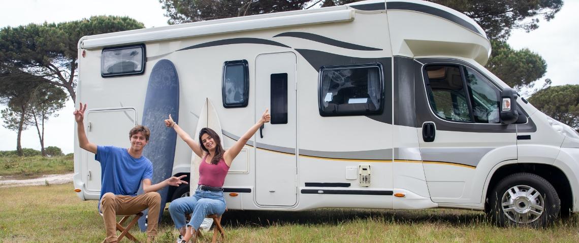 Je caravan of camper schoonmaken voor deze naar de stalling gaat