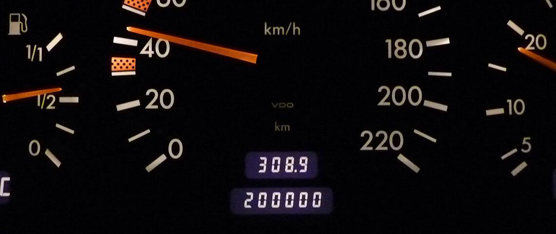 Welke invloed heeft de kilometerstand op de verkoop van je auto?