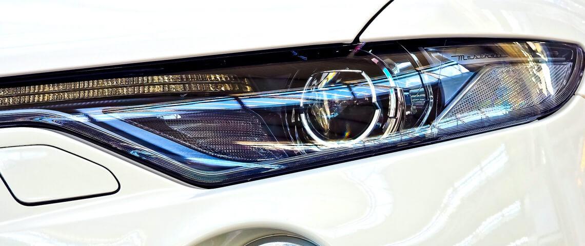Verblind door autolichten? RDW scherpt regels koplampverlichting aan
