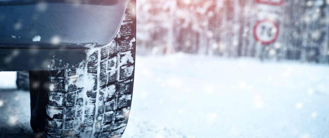 Onderweg naar wintersport: waar zijn winterbanden verplicht?